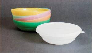 Earl Tupper, Cereal Bowls and Seals 1949
